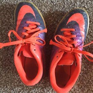 Nike hypervenom indoor soccer shoes, size 3y